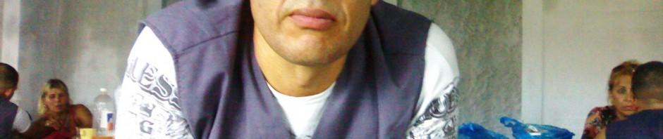 El recluso común Luis Manuel Carrillo, de la prisión El Pre, y otros reclusos, solicitan mi asistencia religiosa