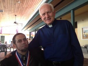 Con el Rev. Lenier Gallardo al concluir la ceremonia
