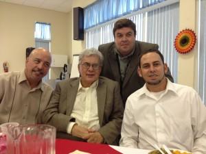 Junto Pablo Miret, Marcos Antonio Ramos y Luis Estevez en uno de los desayunos de la radio