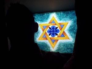 La Estrella de David de los vitrales