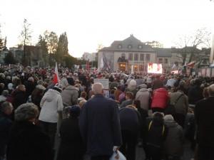 Multitudes en los homenajes a Popieluszko