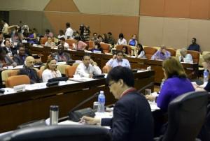 """Li Tao, director general adjunto de la Oficina de Políticas y Reglamentos para el Ciberespacio del gobierno chino en el Panel Ciberseguridad Informatizacion de la II Conferencia Internacional """"Nuevos escenarios de la comunicación política en el ámbito digital 2015"""""""
