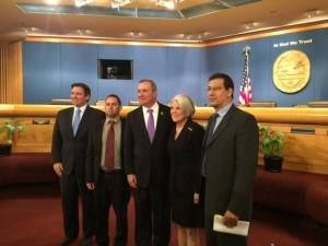 Junto al Congresista Republicano Carlos Curbelo , Jeff Duncan, quien presidio la audiencia; y Sylvia iriondo y Antonio rodiles, los otros dos cubanos quienes ofrecieron su testimonio