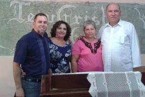 Yoaxis y Mario, coordinadores de Patmos, junto a Reina y Daniel Josué Pérez, líderes de los bautistas bereanos en Cuba. En el aniversario 19 de su reorganización.