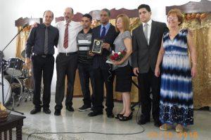 El Dr. Biscet y su esposa Elsa acompañados de representantes del Instituto Patmos en la entrega del Premio.